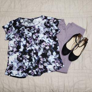 🛍 Floral Top